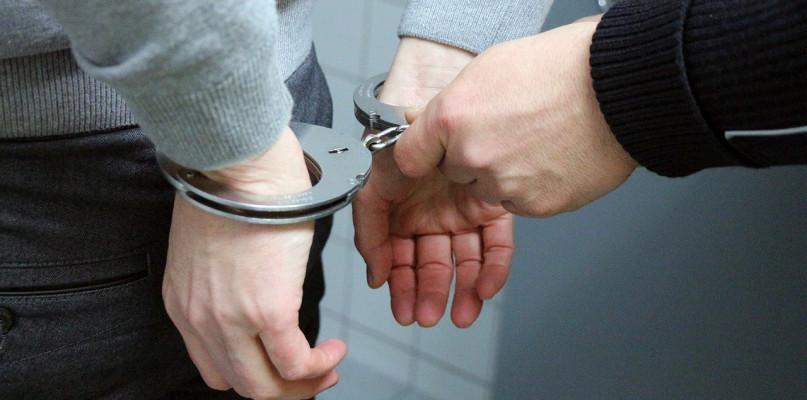 Kronika Kryminalna - Policja, Znieważył funkcjonariuszy policji Został zatrzymany wyjaśnienia - zdjęcie, fotografia
