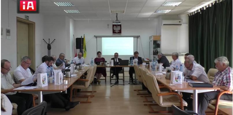Starosta i Powiat, Powiat przasnyski przyjął Samorządową Kartę Rodzin - zdjęcie, fotografia