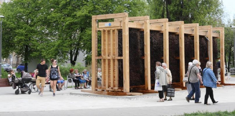 , Mieszkańcy poznali korzyści wynikające budowy tężni solankowej Powstaną - zdjęcie, fotografia