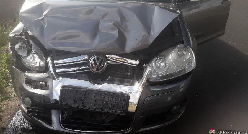 Wypadki drogowe, Zderzenie osobówek gminie Czernice Borowe - zdjęcie, fotografia