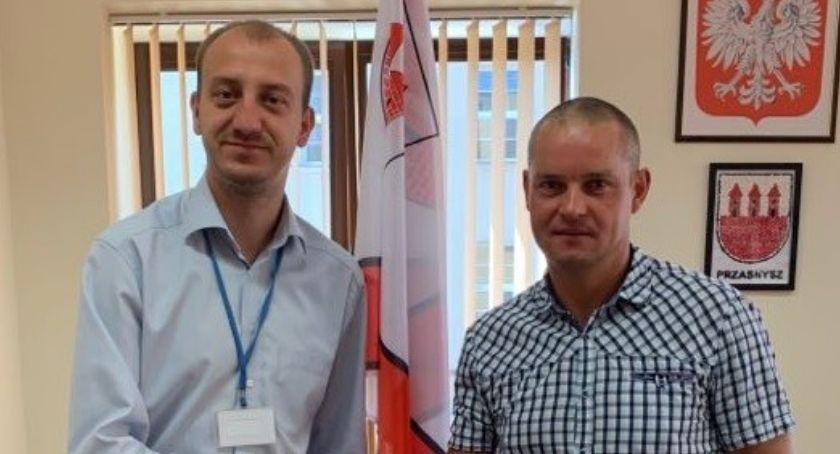Styl Życia, Triathlonista Bogdan Bachorski zagościł gabinecie Burmistrza - zdjęcie, fotografia