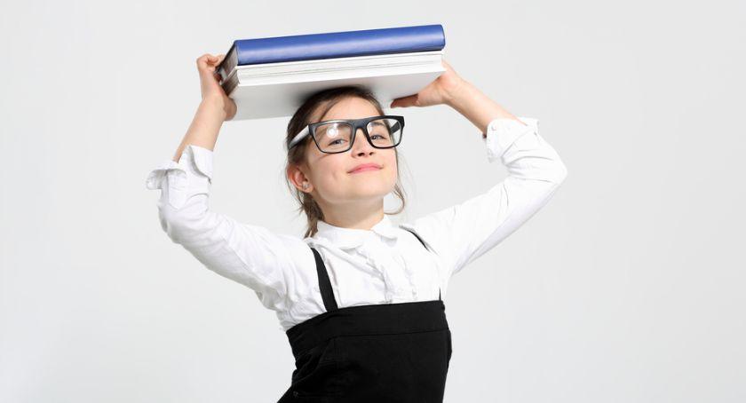 Szkoły podstawowe, Krzynowłoga Mała zaprasza nietypowe rozpoczęcie szkolnego - zdjęcie, fotografia