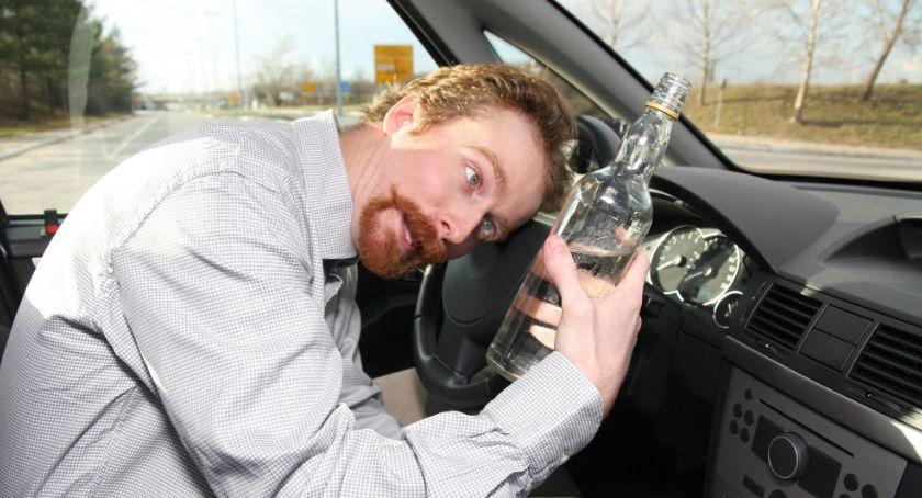 Wypadki drogowe, Doprowadził zderzenia Wydmuchał blisko promile - zdjęcie, fotografia