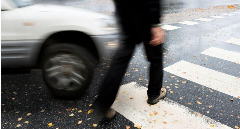 Wypadki drogowe, Potrącenie pieszego Chorzelach Poszkodowany zniknął - zdjęcie, fotografia