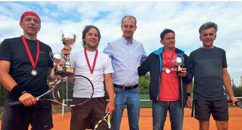 Zawody Sportowe, Grzegorz Smoliński przasnyskim Mistrzem Tenisa Ziemnego - zdjęcie, fotografia