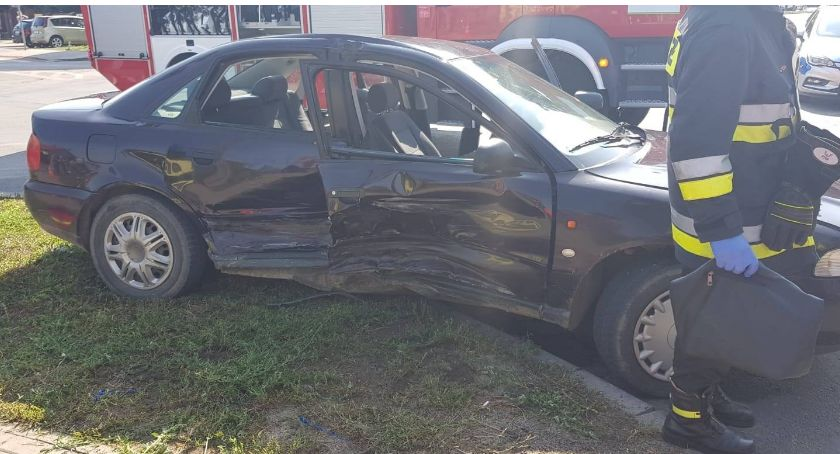 Wypadki drogowe, Zderzenie osobówek Słowackiego Przasnyszu - zdjęcie, fotografia