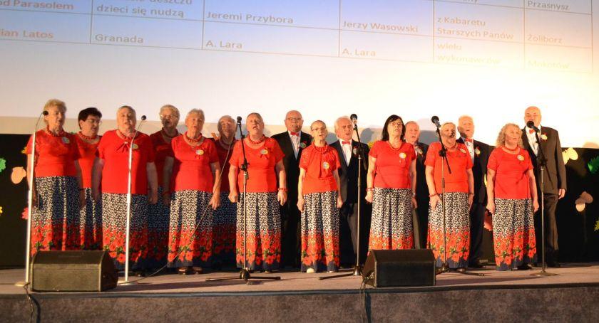 Konkursy - Wyróżnienia, Seniorzy pasją Bogatego wyróżnieni Warszawie - zdjęcie, fotografia