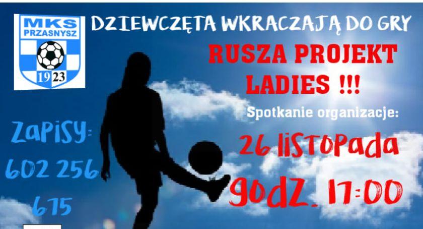 Piłka nożna, otwiera nabór żeńskiej drużyny - zdjęcie, fotografia