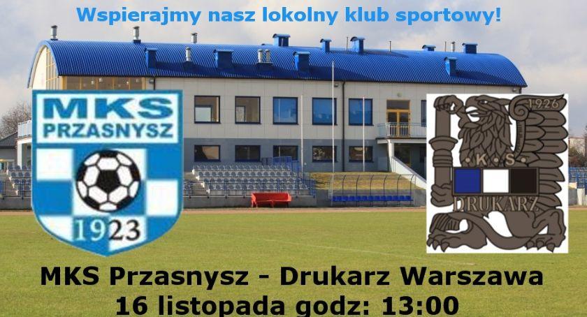 Piłka nożna, Lider przyjeżdża Przasnysza zaproszenie - zdjęcie, fotografia
