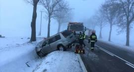 Wypadek samochodu osobowego w miejscowości Golany