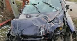 Wypadek samochodu osobowego w miejscowości Zawadki