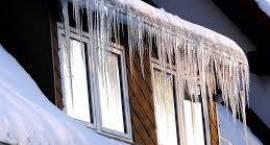 Informacja o obowiązku usuwania śniegu i sopli z dachów