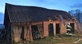 Pożar dwóch budynków inwentarskich w miejscowości Rzodkiewnica