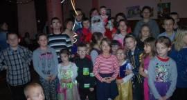Zabawa choinkowa dzieci z Ośrodka Rehabilitacji (ZDJĘCIA)