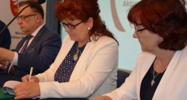 Na pracownie informatyczne gmina Przasnysz i Czernice Borowe pozyskały 90 tysięcy złotych.
