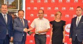 Nowy samochód ratowniczo-gaśniczy, sprzęt i remonty strażnic w gminach powiatu przasnyskiego