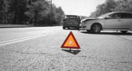 Poważny wypadek w Gostkowie. Jedno auto dachowało [Aktualizacja + Zdjęcia]