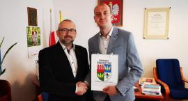 Burmistrz Przasnysza poznał tajniki funkcjonowania starostwa