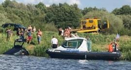 Mogło dojść do tragedii. Auto z pasażerem wpadło do rzeki.