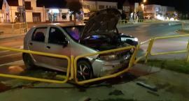 Kolizja w Chorzelach. Kierowca zniknął z miejsca zdarzenia [Zdjęcia]