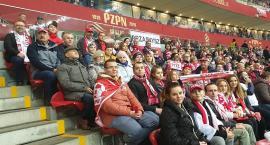 Reprezentacja Przasnysza na meczu Polska-Słowenia