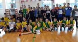 Powiatowe Igrzyska Młodzieży Szkolnej 2019/2020. Pierwsze rozstrzygnięcia w halowej piłce nożnej