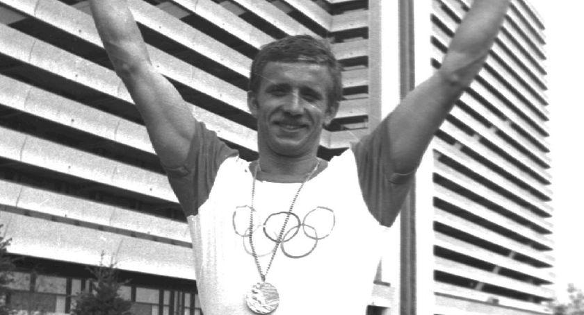 3. Bieg Ciołka, Mistrz olimpijski Janusz Peciak gościem honorowym Biegu Ciołka - zdjęcie, fotografia