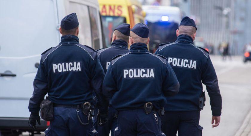 Policja, Egzamin Policji wyglądają etapy testu - zdjęcie, fotografia