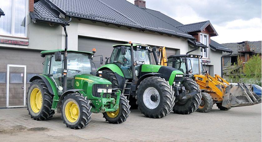 Biznes i finanse, naprawa maszyn rolniczych sprzętu ciężkiego Solidnie dobrej - zdjęcie, fotografia