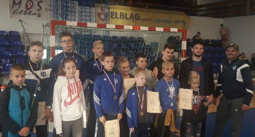 Sporty walki, Fenomenalny występ zapaśnikow Cartusii Kolbudach Elblągu - zdjęcie, fotografia