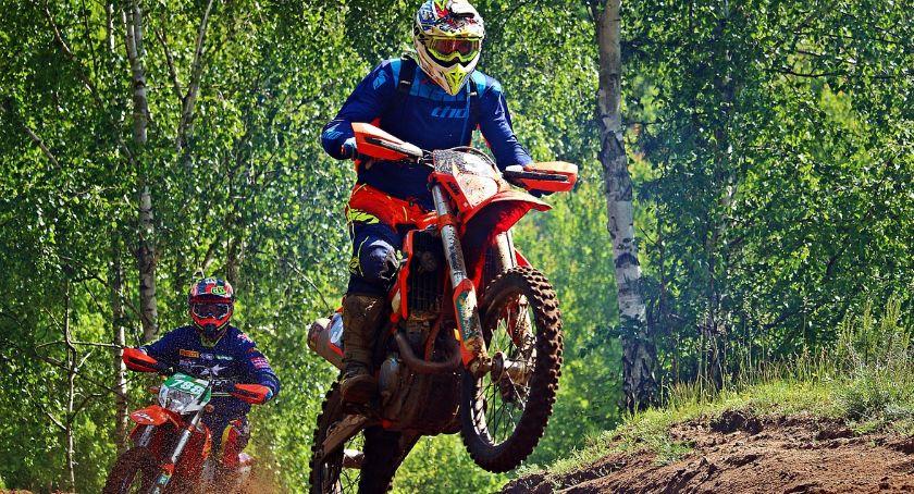 Sporty motorowe, rozpocząć swoją przygodę rajdach enduro - zdjęcie, fotografia