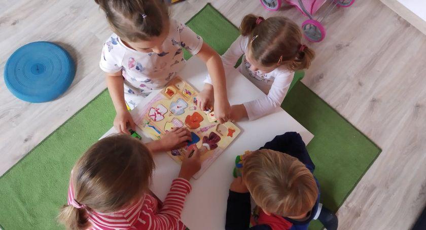 System oświaty, Kartuzach rozpoczyna działalność Terapeutyczny Punkt Przedszkolny NIEBIESKI BALONIK - zdjęcie, fotografia