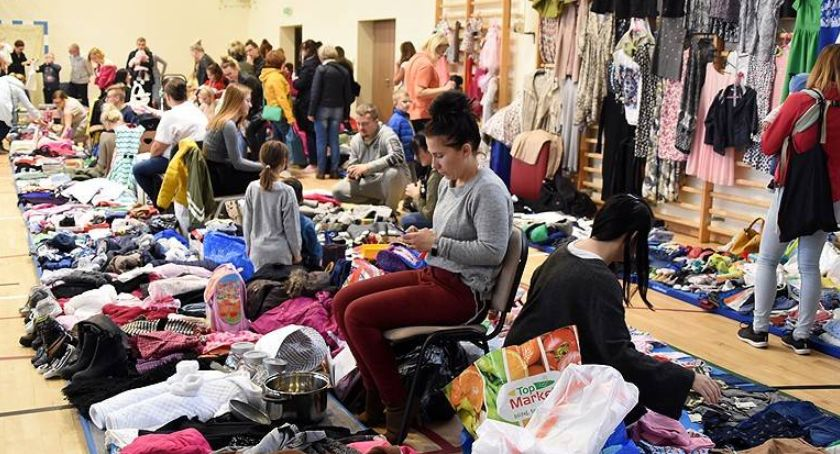 Akcje społeczne i charytatywne, grudnia Kartuzach kolejna giełda - zdjęcie, fotografia