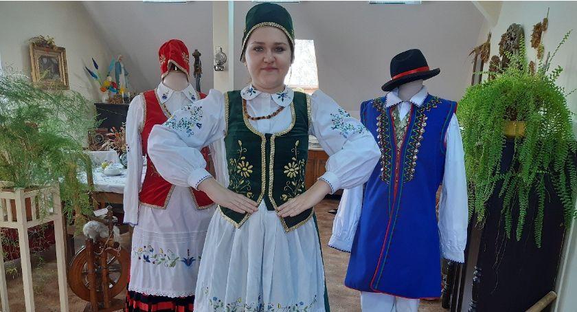 """Kaszubszczyzna, Większy zespół większe możliwości! KZPiT """"Sierakowice"""" może cieszyć nowymi strojami - zdjęcie, fotografia"""