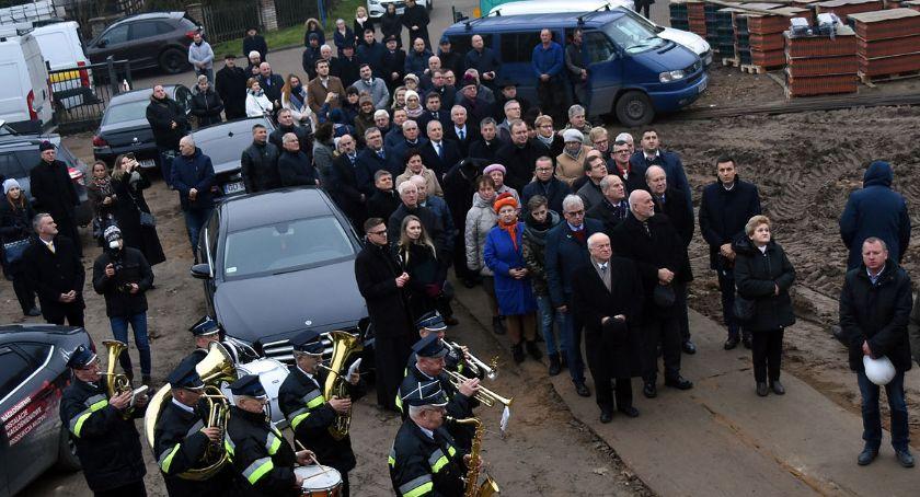 Inwestycje, Kartuzy dachu hospicjum Caritas pojawiła wiecha pierwszy inwestycji finiszu - zdjęcie, fotografia