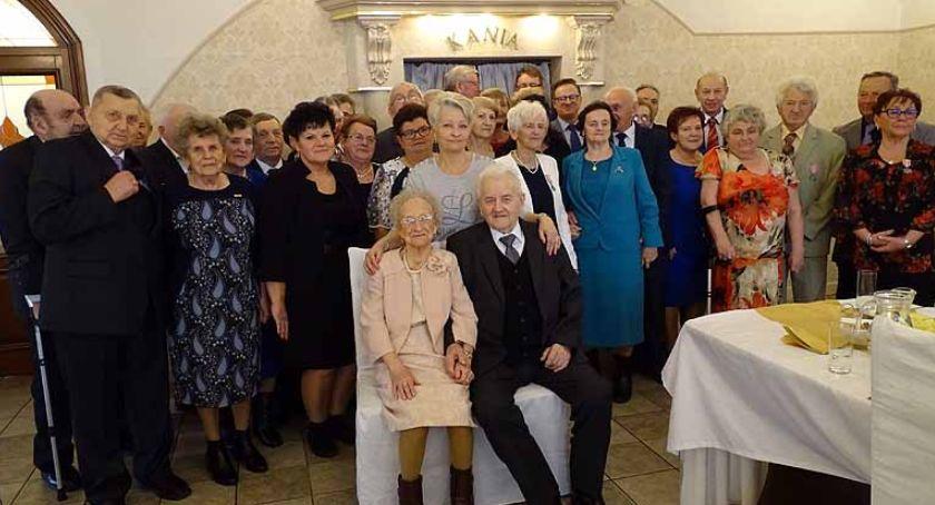 Seniorzy, Przodkowo Medale małżonków półwiecznym dłuższym stażem - zdjęcie, fotografia
