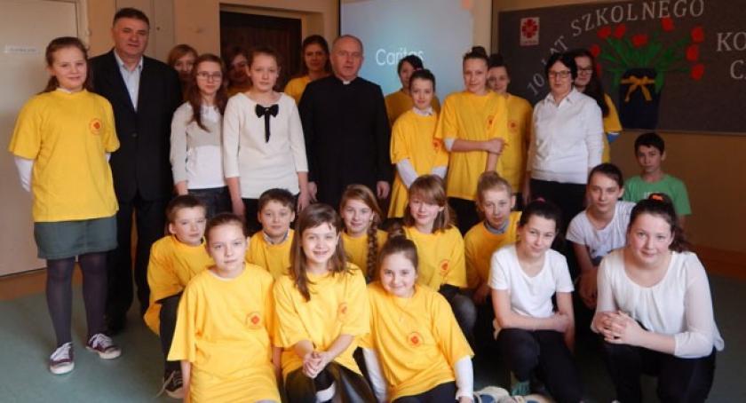 Akcje społeczne i charytatywne, Jubileusz lecia Szkolnego Koła Caritas Zespole Szkół Czeczewie - zdjęcie, fotografia