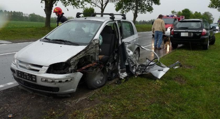 Wypadki, Leźno Zderzenie hyundaia ciężarówka - zdjęcie, fotografia