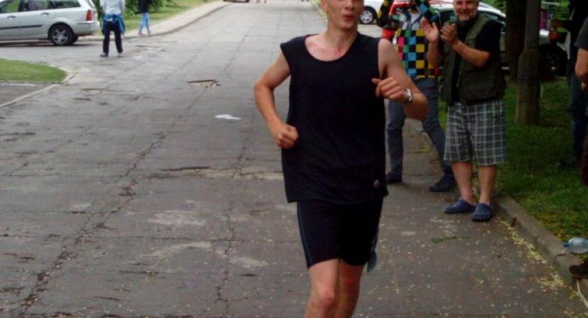 Biegi, letni Mateusz Kartuz drugim miejscem Maratonie Fundacji Daszradę - zdjęcie, fotografia