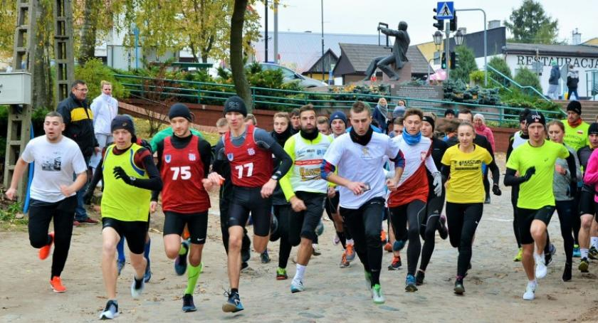 Biegi, Sierakowice Ponad osób wystartowało Biegach Papieskich - zdjęcie, fotografia