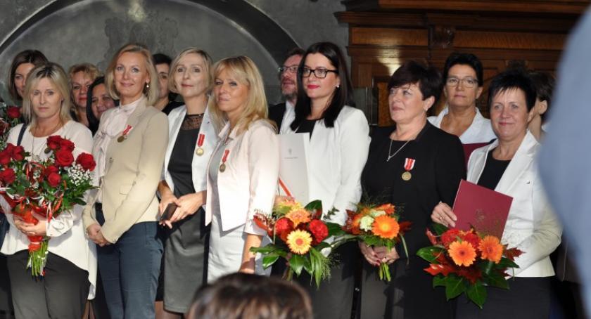 System oświaty, Powiat Nauczyciele docenieni przez Ministra Edukacji - zdjęcie, fotografia