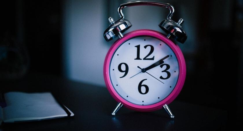 Styl życia, soboty niedzielę pośpimy godzinę krócej - zdjęcie, fotografia