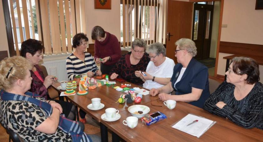 Seniorzy, Pozytywnie zakręceni możesz dołączyć Klubu Seniora Sierakowicach - zdjęcie, fotografia