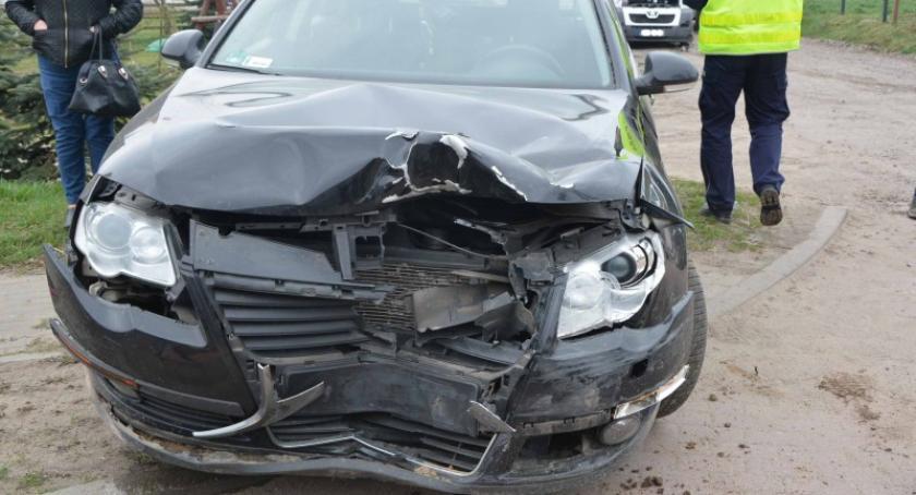 Wypadki, Puzdrowo Zderzenie trzech pojazdów - zdjęcie, fotografia
