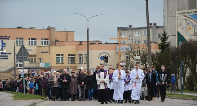 Religia, Droga krzyżowa ulicami Kartuz - zdjęcie, fotografia