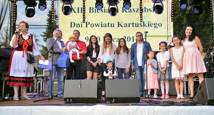 Pomoc społeczna, socjalna, Zgłoś rodziny wielodzietne nagrody Perła życia - zdjęcie, fotografia