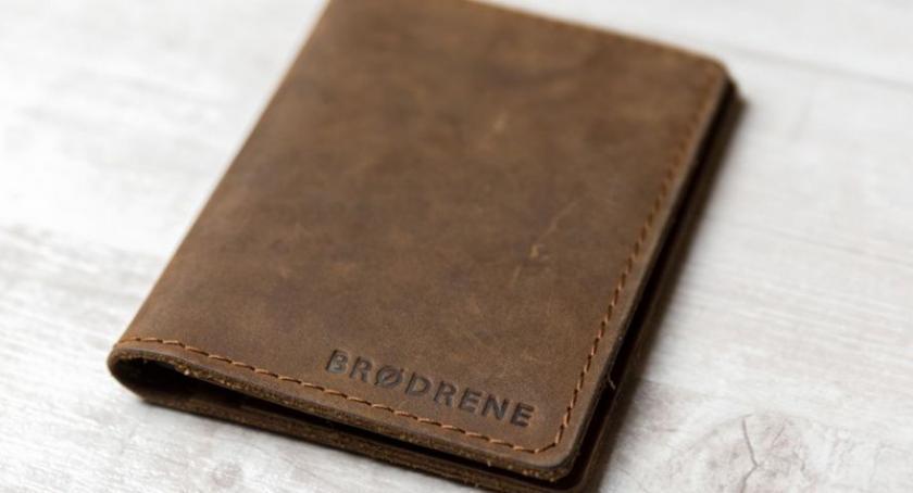 Artykuł sponsorowany, powinien portfel prezent mężczyzny - zdjęcie, fotografia