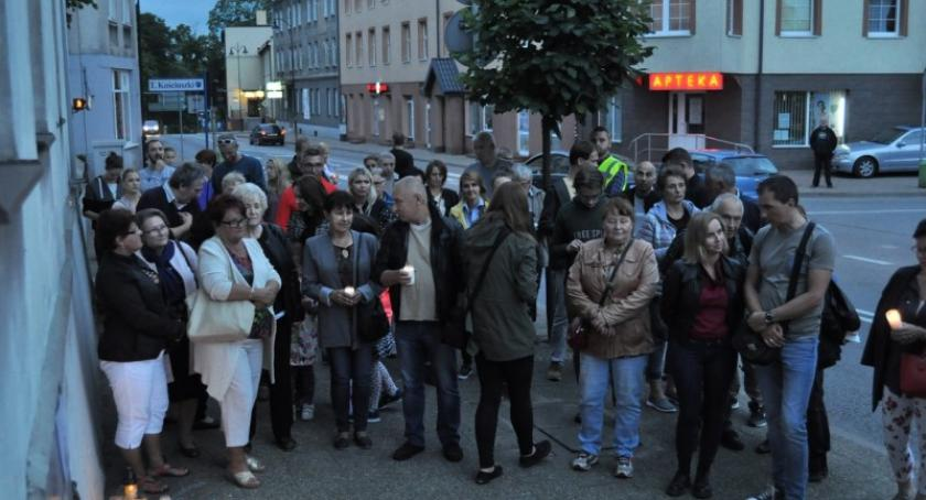 Akcje społeczne i charytatywne, Chcemy weta! czwarty dzień protestu Sądzie Rejonowym Kartuzach - zdjęcie, fotografia