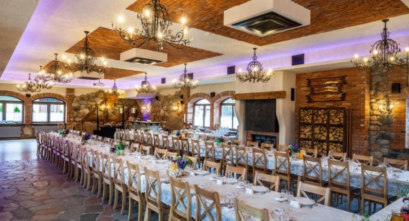 Artykuł sponsorowany, Niezapomniana kolacja restauracji Miszewku koncertem Krzysztofa Daukszewicza - zdjęcie, fotografia