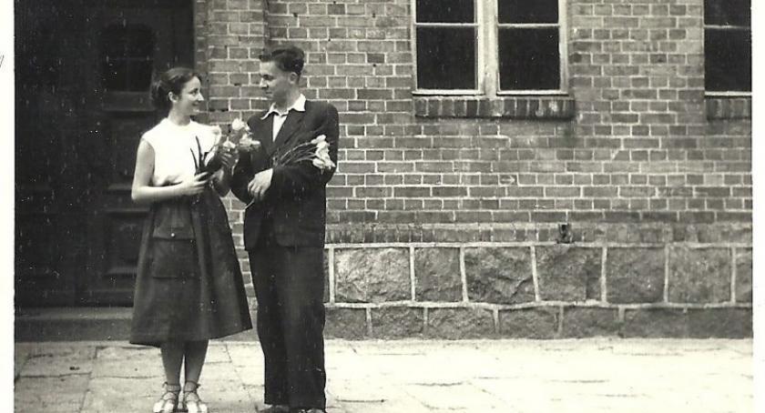 Szkoły średnie, Jubileusz lecia Klasztornej września Zobacz archiwalne zdjęcia - zdjęcie, fotografia
